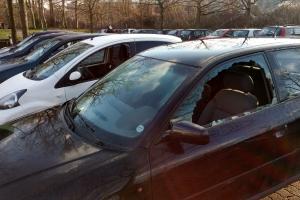 Fyns Politi har modtaget otte anmeldelser om indbrud i biler parkeret på Dannebrogsgade i Odense.