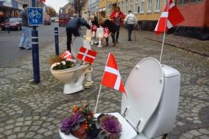 Erhvervsdrivende i aktion for toiletter