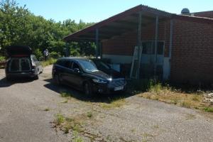 24. maj 2018: Natten til tirsdag blev en kostbar veteranbil stjålet fra et autoværksted i Langeskov. Via tips har ejeren, Folmer Larsen, nu fundet bilen i et industrikvarter.