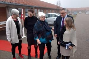 12. marts 2018: Plejecenter Æblehaven i Haarby er de så gode til at lave aktiviter for beboerne, at ældreminister Thyra Frank (LA) mandag kiggede forbi for at høre om deres indsats. Foto: Ole Holbech