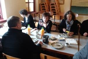 3. marts 2018: Mandag formiddag var fiskeriminister Karen Ellemann (V) i Kerteminde, hvor hun mødtes med nogle af de fiskere, som skal lukke deres torskefangst i to måneder. Foto: Ole Holbech