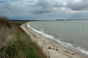 26. april 2018: Å strand ved Assens. Foto: Ole Holbech