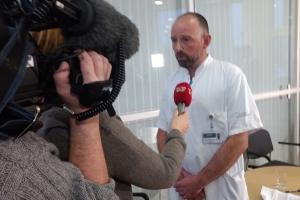 Læge har inviteret Styrelsen for Patientsikkerhed med på job, så direktøren kan få indblik i lægers arbejde.