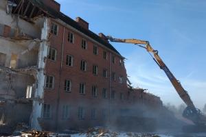 6. marts 2018: Nordre Skole i Svendborg bliver revet ned.  120.000 af de gamle mursten genbruges i nyt byggeri. Foto: Ole Holbech
